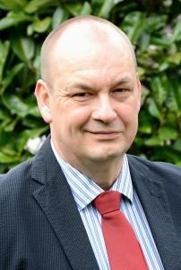 Dr. Bernd Schlözer
